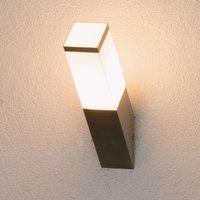 Schräge Außenwandlampe Lorian aus Edelstahl