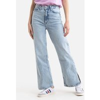 Wide Leg Jeans in Mid Rise.