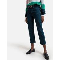 Straight High Waist Jeans.
