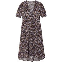 Ditsy Floral Print Midi Dress with V-Neck and Short Puff Sleeves