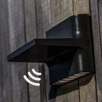 Twill LED solar outdoor wall light with sensor