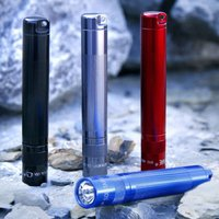 Maglite Solitaire torch in red