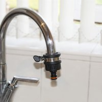 Quantum Garden - Universal Tap Connector With Clip for Rounded Taps in Diameter 1 and more