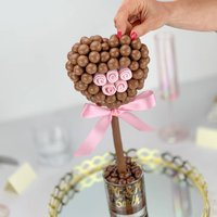 Malteser Heart With Pink Rose Tree