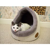 Comfort And Cosy Cat Igloo Bed