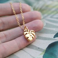 Monstera Leaf Necklace Yellow Gold, Gold