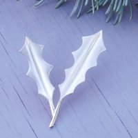 Silver Holly Brooch Brushed Finish, Silver