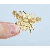 British Bee Die Stuck Gold Brooch, Gold