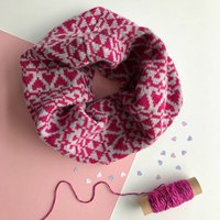 Ladies Lambswool Snood With Heart Pattern, Raspberry Pink/Raspberry/Pink
