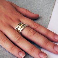 Triangular Love Ring