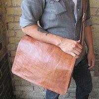 Victor Messenger Bag, Tan/Chocolate