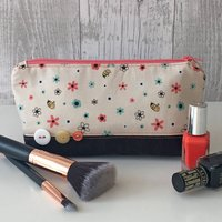Flower Bumble Bee Fabric Make Up Bag