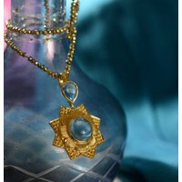 Lyra Aquamarine Pendant