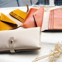 Leather Bi Fold Purse With Stud Pocket
