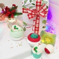 Christmas Bath Bombs And Soap Set