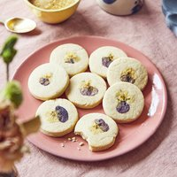 Baked Edible Flower Biscuits