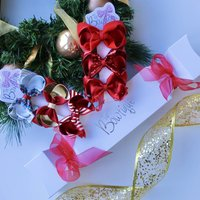 Christmas Cracker Filled With Hair Bows Red