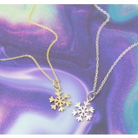 Sterling Silver Snowflake Charm Necklace, Silver