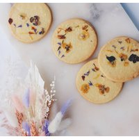 Dried Flower Bouquet And Biscuit Hamper