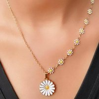 Half White Flower Charms Choker Summer Necklace