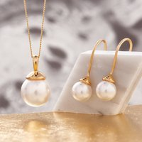 Pearl Necklace And Earring Set In Gold, Gold