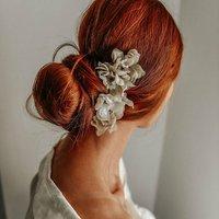 Franny Flower Hair Pins Nude