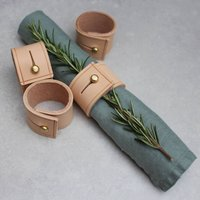 Set Of Napkin Rings In Natural