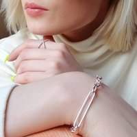 Oval Chain Bracelet With T Bar Clasp