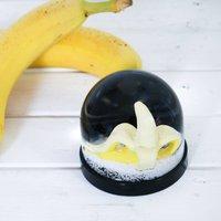 Snow Globe, Banana