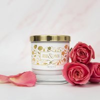 Medina Rose And Black Oud Scented Candle