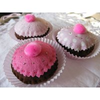 Scented Cupcake Pin Cushion, Bright Pink/Pink/Pale Pink