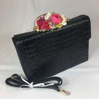 Classic Vintage Style Moc Croc Lauren bag In Classic Black