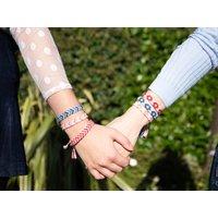 'Friendship Bracelet Kit And Pattern In Deramores Yarn