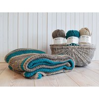 Deramores Studio Chunky Tartan Throw and Cushion Colour Pack – Jade