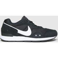 Nike-Black-and-White-Venture-Runner-Trainers