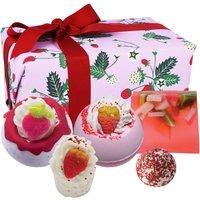Bomb Cosmetics Strawberry Feels Forever Bath Bomb Gift Set