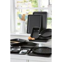 Essentials 12-Piece Family Bakeware Set