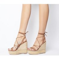 shop for Office Hula Ghillie Chunky Wedge TAN WITH STUDS at Shopo