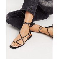 Who What Wear Zander strappy square toe sandals in black