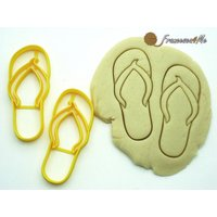 4-flip-flops-cookie-cutters-set-of-2
