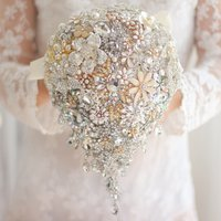 ivory-gold-bridal-brooch-bouquet-wedding-bride-crystal-droplets-teardrop-bou