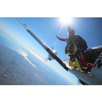 Beginner's Tandem Skydive in Devon - Skydive Gifts