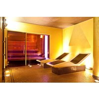 Spa Day With 25 Minute Treatment At Crowne Plaza Battersea For Two Picture