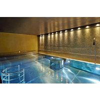 Spa Day With 25 Minute Treatment, Lunch Or Afternoon Tea At Crowne Plaza Battersea Picture
