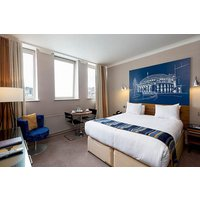 Overnight Stay with a Three Course Dinner and Fizz at Townhouse Hotel - Buyagift Gifts