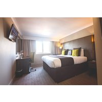 One Night Stay with Afternoon Tea for Two at Mercure Milton Keynes Hotel - Afternoon Tea Gifts
