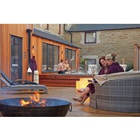 Spa Break with a Private Hot Tub at Three Horseshoes Country Inn - Weekends - Country Gifts