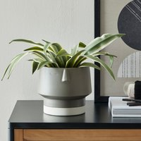 Charcoal Face Planter Grey