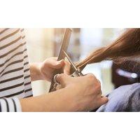 Luxus-Haarschnitt inkl. Kopf-Massage und Intensivpflege im Haarstudio Rosetta (bis zu 50% sparen*)