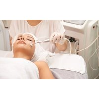 60 Min. Mesotherapie mit Hyaluronsäure bei HeilpraktikerinMonika Heckmeier